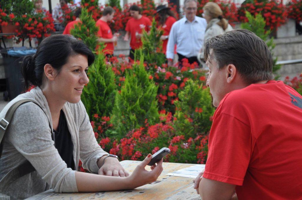 Redakteurin Katharina Wagner. Interview. Schreiben. Text. Pressemitteilungen.