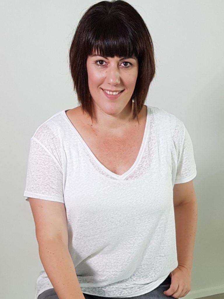 Redakteurin Katharina Wagner aus Bad Nauheim bietet Social Media Marketing, individuelle Facebook Betreuung und das Schreiben von Artikeln und Blogartikeln und Mitarbeit in der Redaktion eines Fernsehsenders, Online-Magazins oder Zeitung an.
